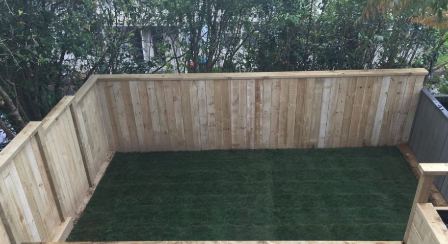 artificial lawn on deck